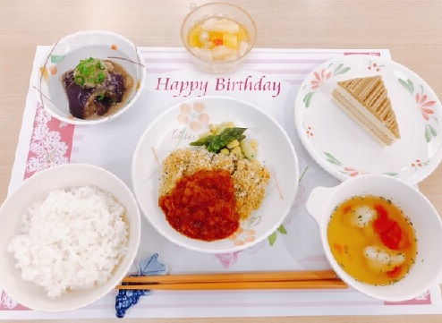 誕生日会食事
